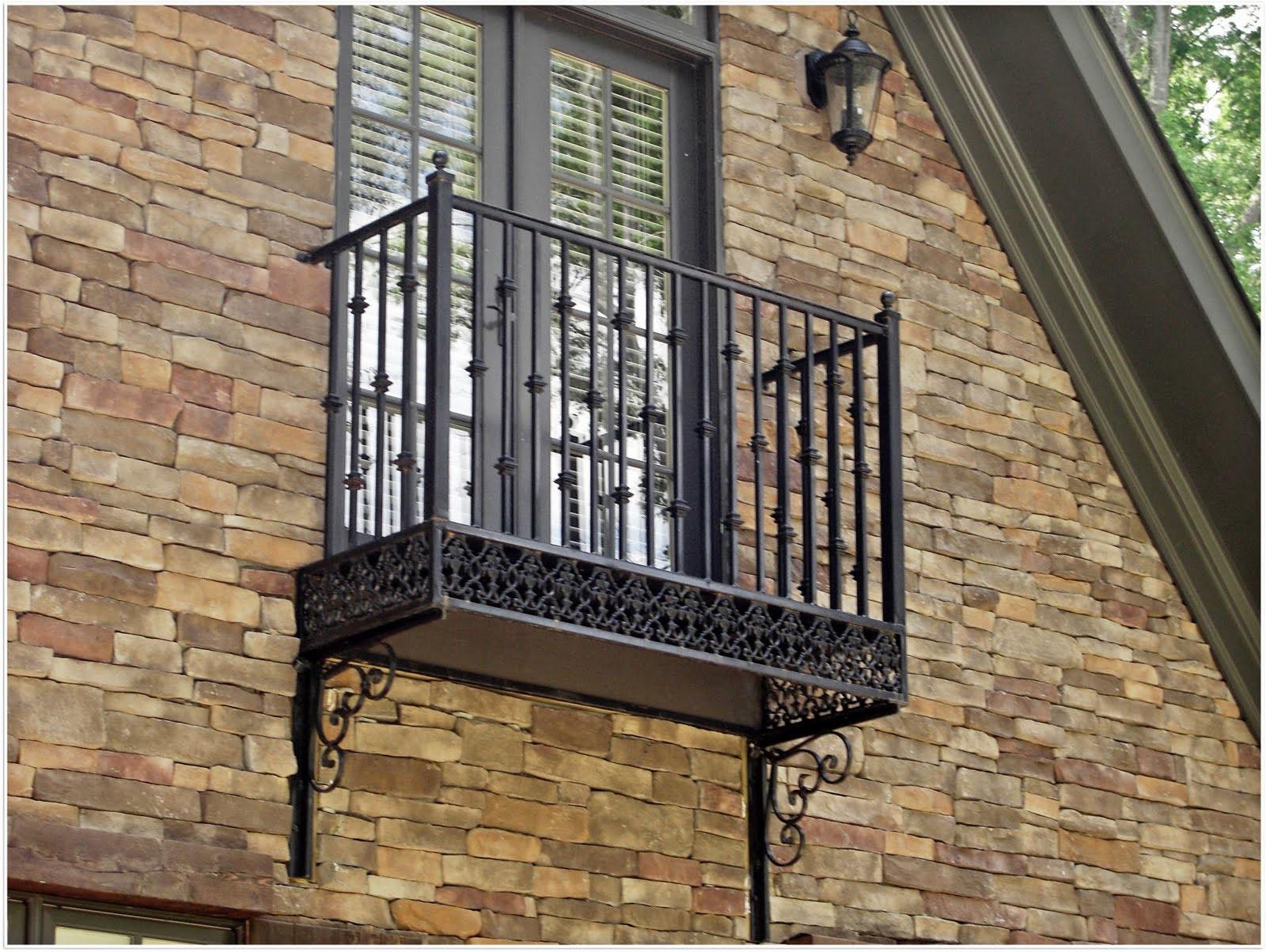 Металлические балконы фото.