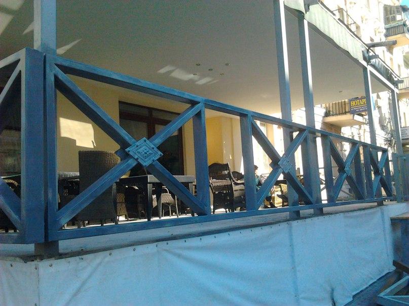 Кованные перила и лестница