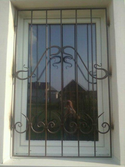 Кованная решётка на окно