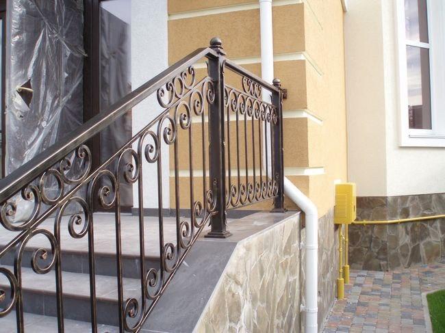 Полностью кованная лестница