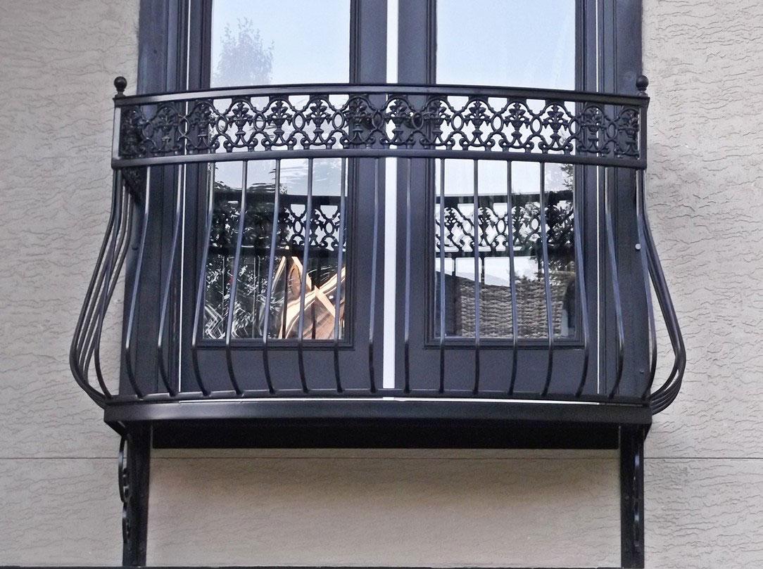 Ограждение для балкона гнутое