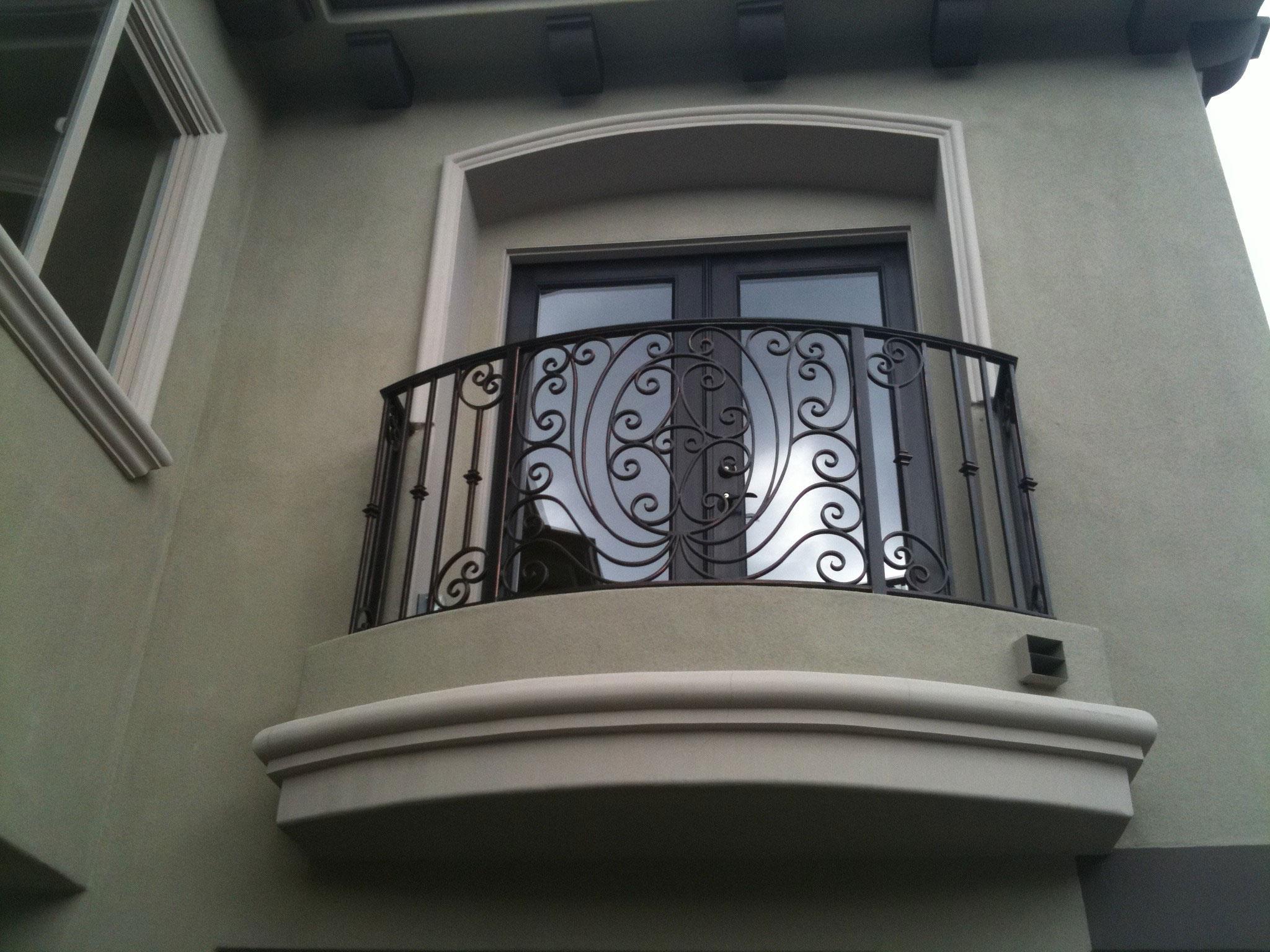 Ограждение для балкона второй этаж