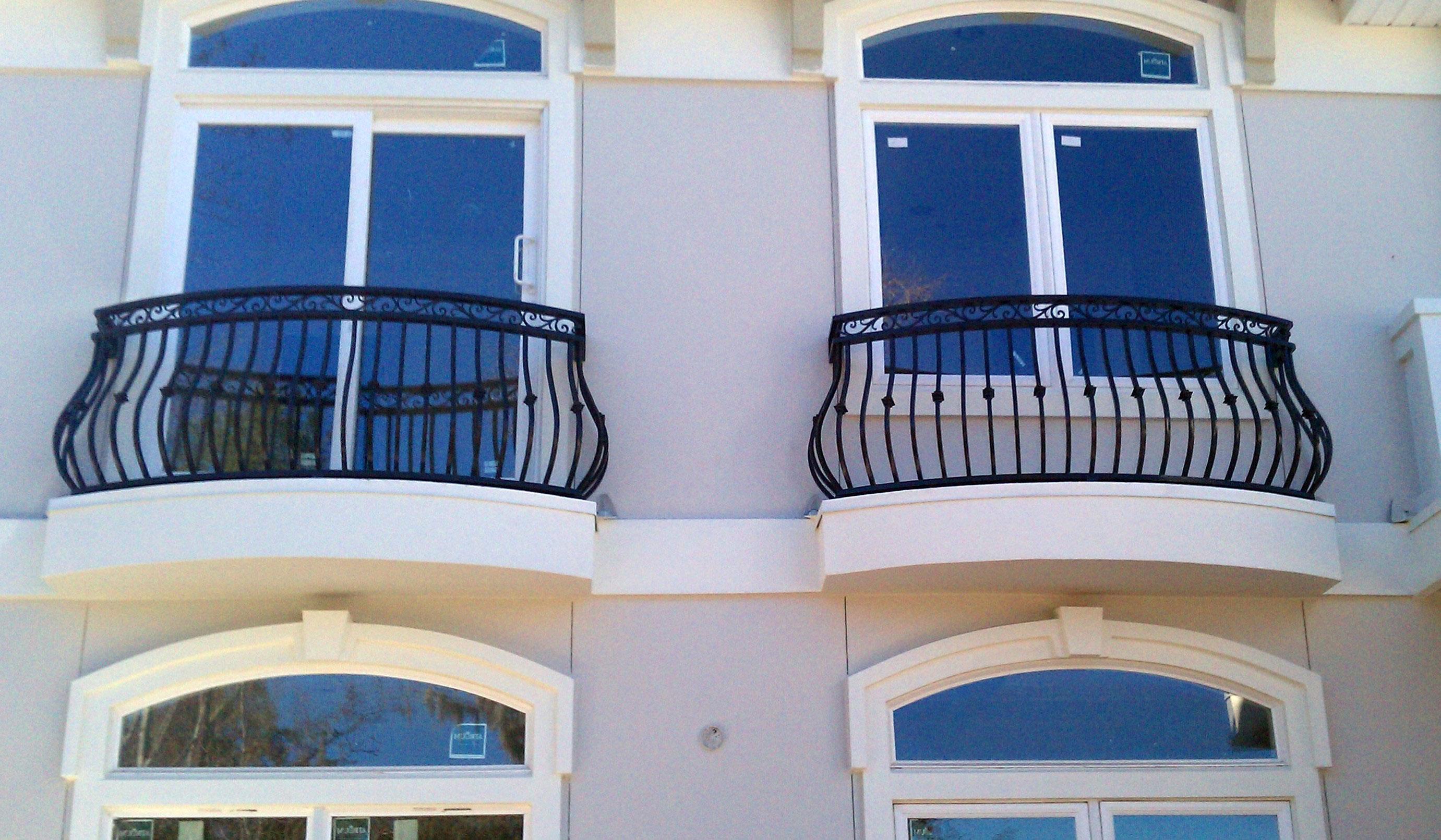 Ограждение для балкона для двух балконов