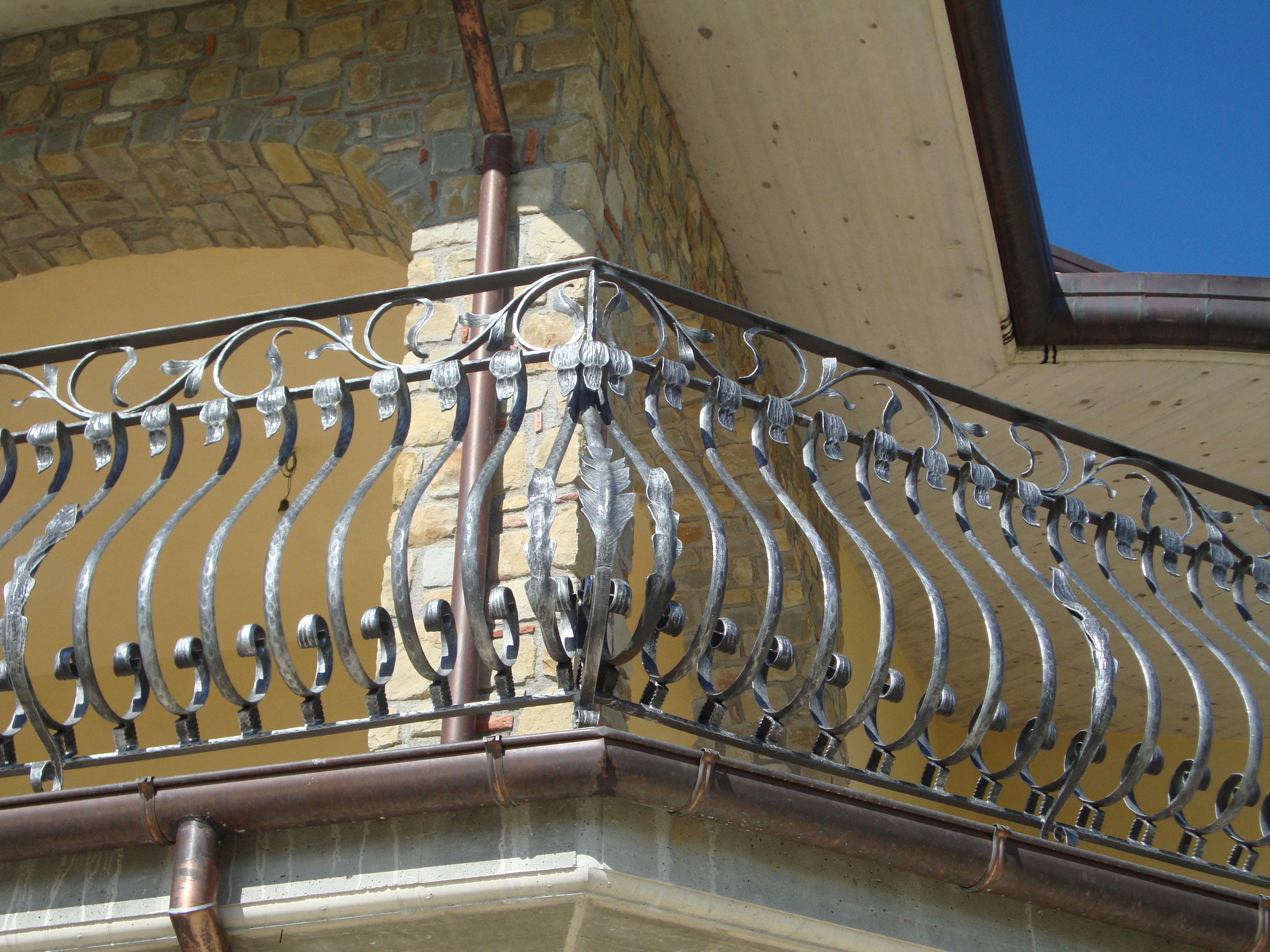 Ограждение для балкона кованое