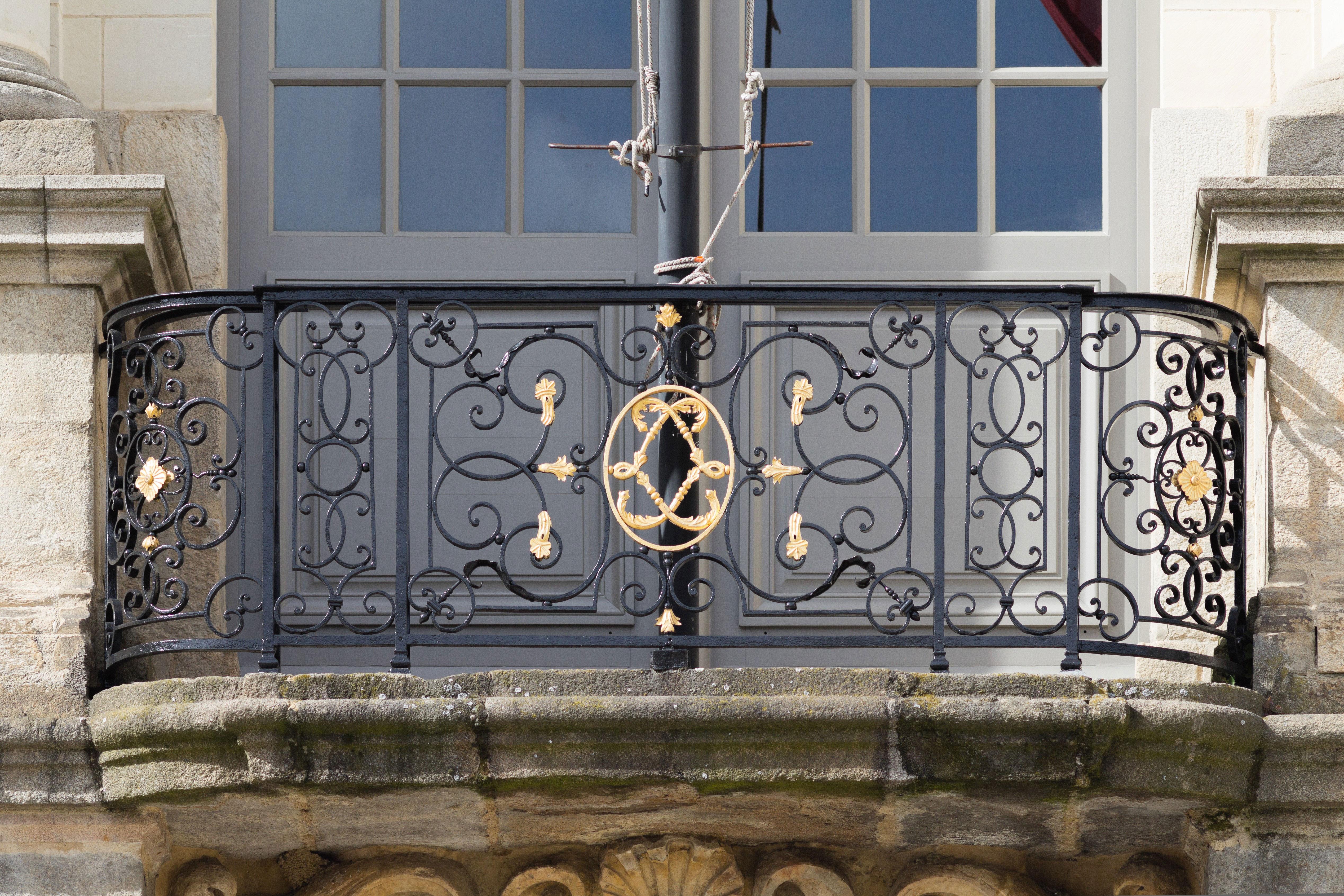 Ограждение для балкона с узорами